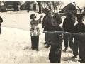 Děti na návsi  po válce.