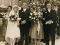 20a Svatba Kabrnových, před hospodou v Libovicích